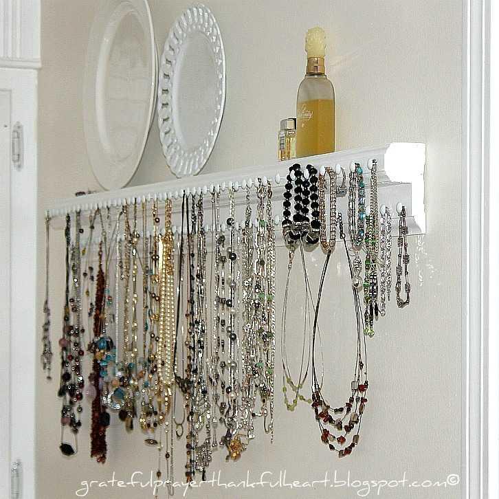 Grateful+Prayer+Thankful+Heart+Blog+Jewelry+necklace+organizer+shelf+IMG_6863.jpg